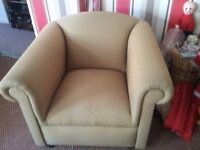 Free comfy arm chair