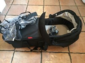 Phil&Teds Dot/Sport 2015 and Navigator snug baby carrycot