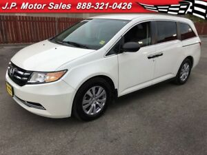 2016 Honda Odyssey SE, Auto, Third Row Seating, Back Up Camera