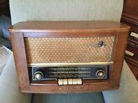 Vintage 1950's Bush Valve Radio