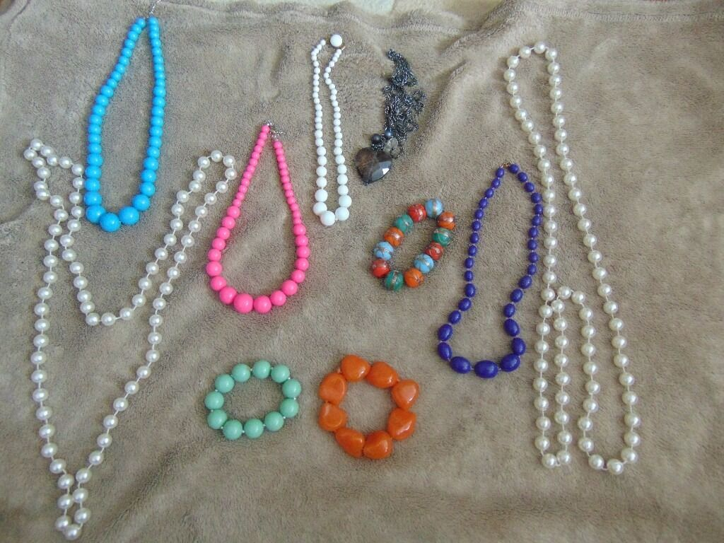 joblot,lot,gifts, christmas present,very cheap, jewellery,carboot,itemsin Leeds, West YorkshireGumtree - lot of Jewellery idea for gifts or present all for £ 12 or one £1 collection only