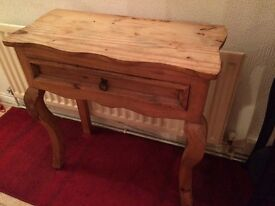 Mexican pine hall table