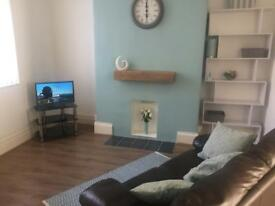 2 large rooms in Shared house - no deposit, suit couple