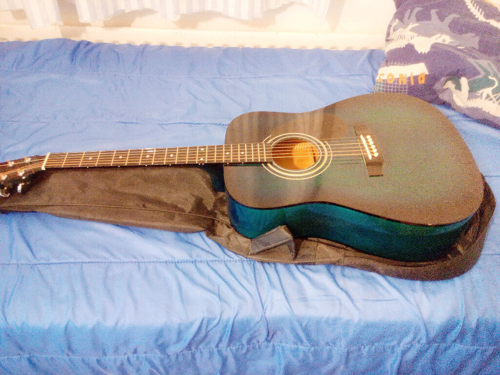 Encore guitar like new with bag