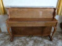 PIANO - COMPACT UPRIGHT - ZENDER - GLOSS LAQUER FINISH