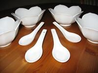 Lotus bowls with matching spoons (set of 4)