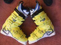 Ski Boots: Salomon: Intermediate/Advanced: Size 10-11 (28.5): almost new