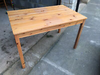 Pine dining table 118x75x73cm some scratches