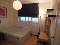 Double Room Available now - Only one stop from Bank Station