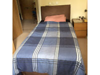 Single waterbed, comfortable sleep, six months old. ideal for back-pain, arthritis and rheumatism
