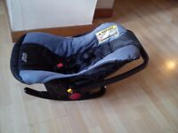 baby car seat/carrier for sale, £10 only