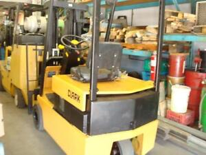 Clark 3 Wheel Electric Lift truck