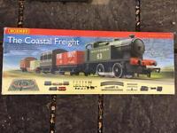 THE COASTAL FREIGHT HORNBY TRAIN SET R1111