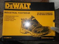 dewalt safety boots/shoes size 8