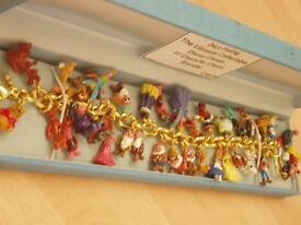 THE ULTIMATE COLLECTABLE DISNEY 37 CHARACTER CHARM BRACELET