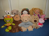 SELECTION OF SOFT TOYS AND DOLLS
