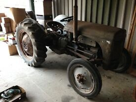 Grey Ferguson Tractor, petrol/paraffin early model, complete tractor,easy restoration project