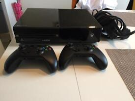Xbox one 1.5 tb with 2 controllers and 5 games