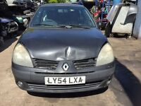 2004 Renault Clio Dynamique 16v 3dr Hatchback Petrol 1.2L bLACK BREAKING FOR SPARES