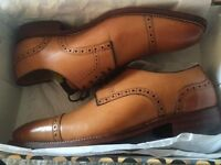 Italian leather lace shoes.size 9