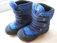 **CLARKS SNOWBOOTS** Size 7F (Infant) Warm & Cosy, Waterproof