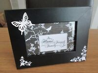 HANDMADE PICTURE FRAMES IDEAL PRESENT FOR SPECIAL FAMILY