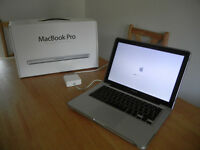 "Apple MacBook Pro 13"" Early 2011, 2,3 GHz and 8 GB DDR3, with clear protective case"