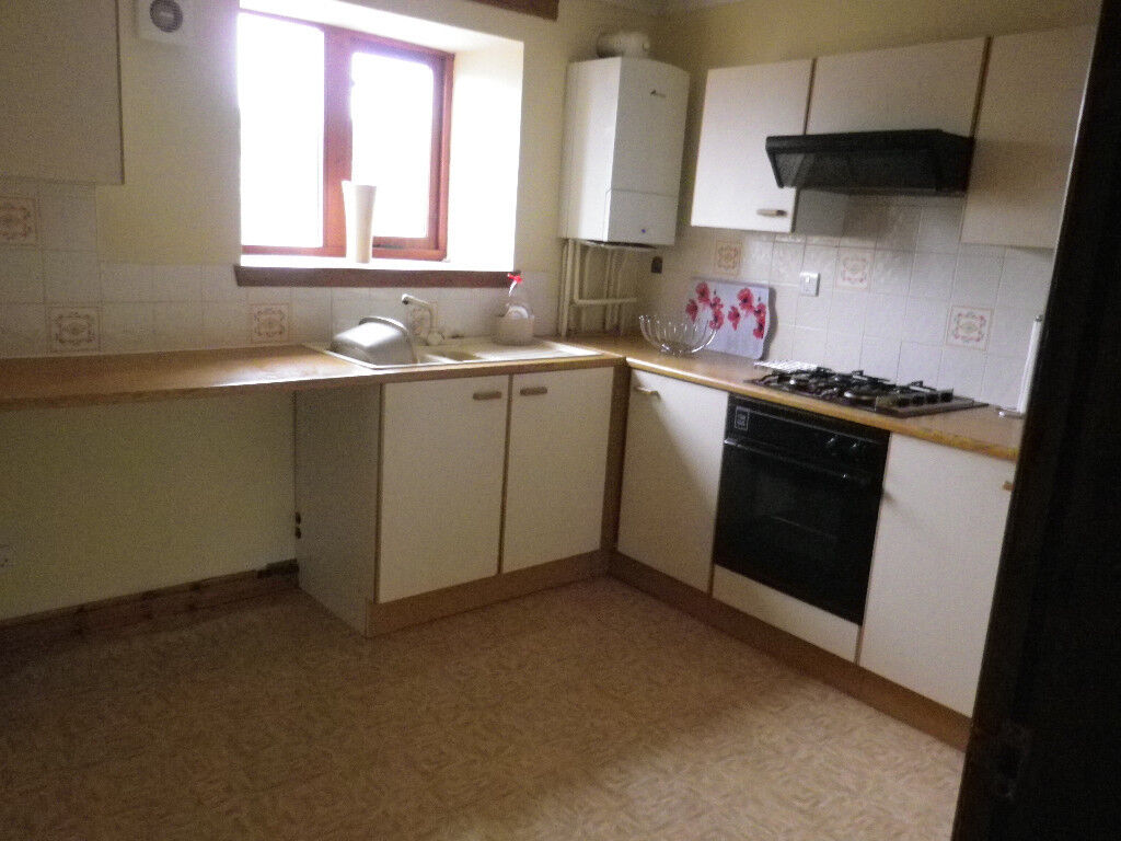 2 Bed flat for let in Lockerbie, close to all amenities.