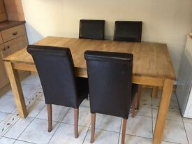 Solid Oak Extending Dining Table and Leather Chairs