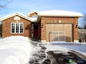 $539,000 - Bungalow for sale in Hillsdale
