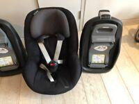 1 x Maxi-Cosi FamilyFix & 1 x Maxi-Cosi Pearl car seats