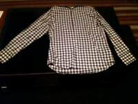 Men's Burton shirt size m