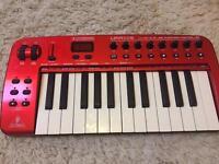Behringer UMA25s keyboard