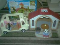 SYLVANIAN FAMILY BUILDING AND PEOPLE