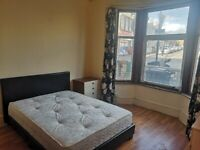 Double bedroom in E11 for £480 pcm (incl. gas, electric, water, TV license and council tax bills)