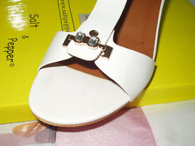 womens sandals, brand new, never worn, still in box size 6