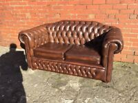 STUNNING LEATHER CHESTERFIELD 2 SEATER SOFA ANTIQUE BROWN LEATHER £499 CAN DELIVER