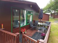 HOLIDAY CHALET CORNWALL FREE GOLF DOGS BABIES WELCOME SLEEPS 4 ENCLOSED SUNDECK