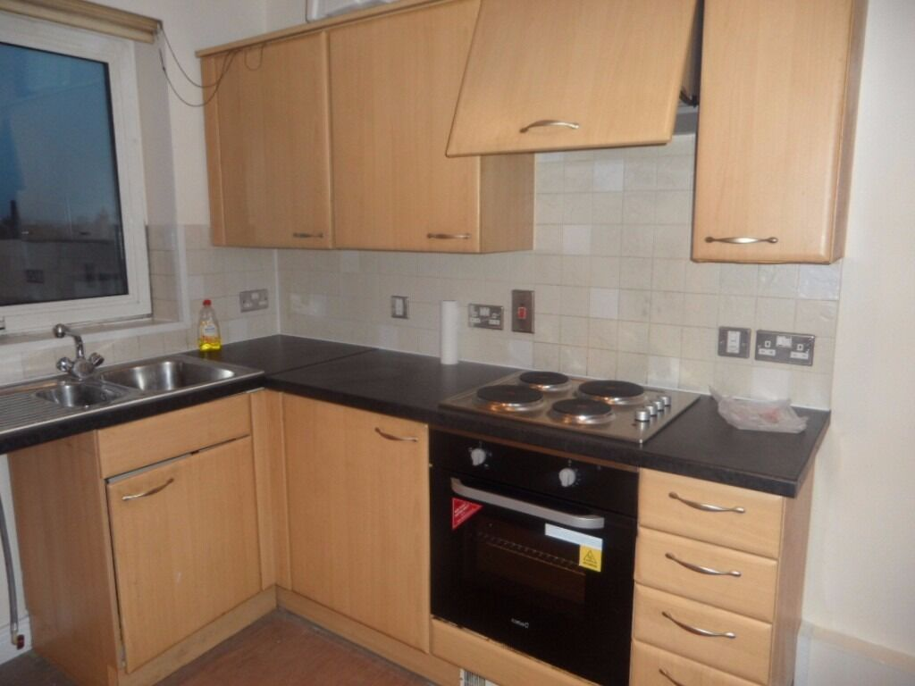 PERFECT LOCATION – MUST SEE- Two bedroom 4th floor apartment in Ilford IG1