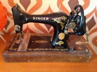 1922 Fully Operational Singer Sewing Machine
