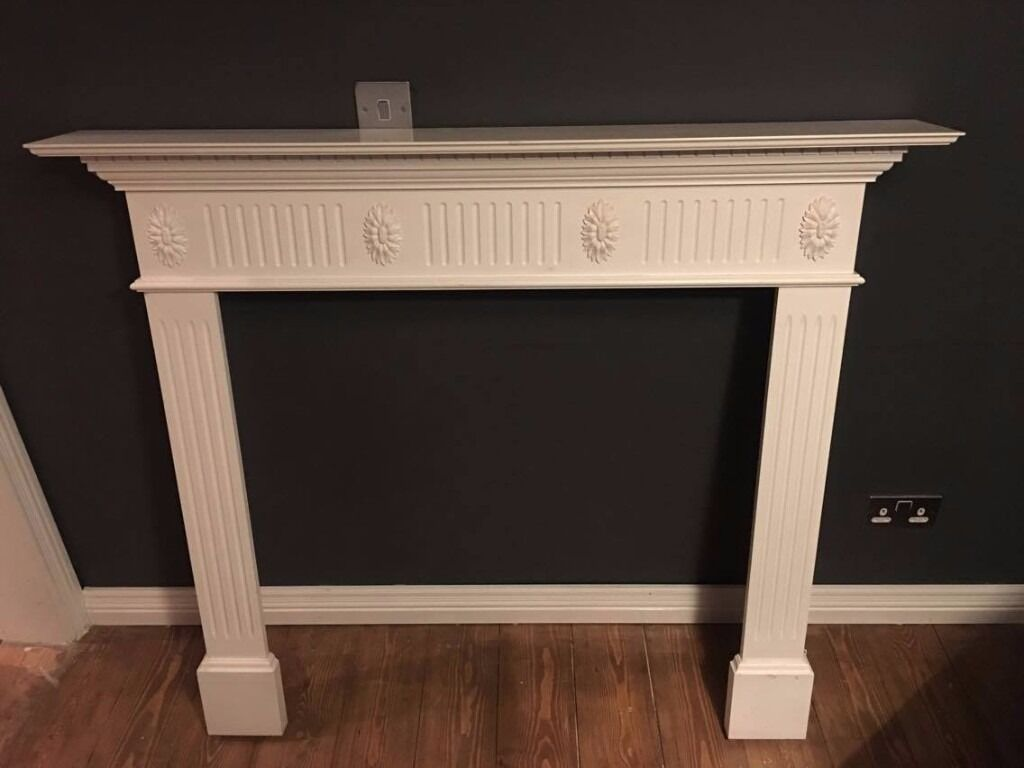 White mantlepiece in great condition