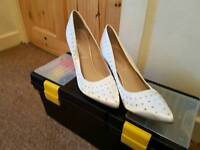 Cream sparkle heels