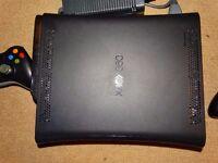 XBOX 360 120Gb HD, 2 Controllers & 5 Games