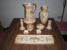 COLLECTION OF CROWN DEVON POTTERY.