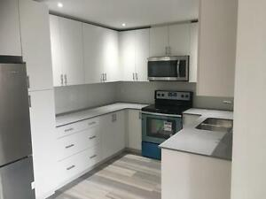 1 BED+DEN ***DOG OK** HARDWOOD/ STAINLESS APLS/STONE COUNTERTOPS