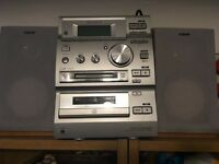 Sony Mini Stereo System, CD, Tuner, Cassette, Minidisc, Silver with wooden speakers