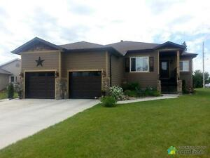 $399,500 - Raised Bungalow for sale in Raymond