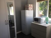 Small Studio to rent in Slough Town Centre