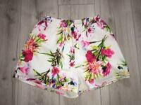 MISSGUIDED High Waisted Floral Shorts