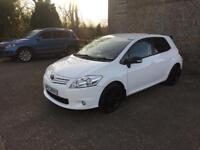 2010 Toyota auris petrol white**FULL YEARS MOT**